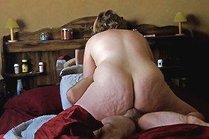 Curvy Bbw Grinds To Orgasm